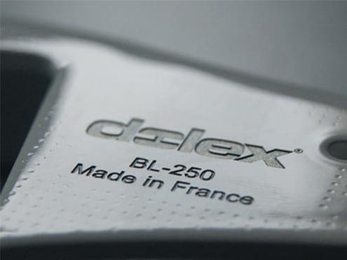 machine-marquage-permanent-laser-acier-peinture-etau-dolex
