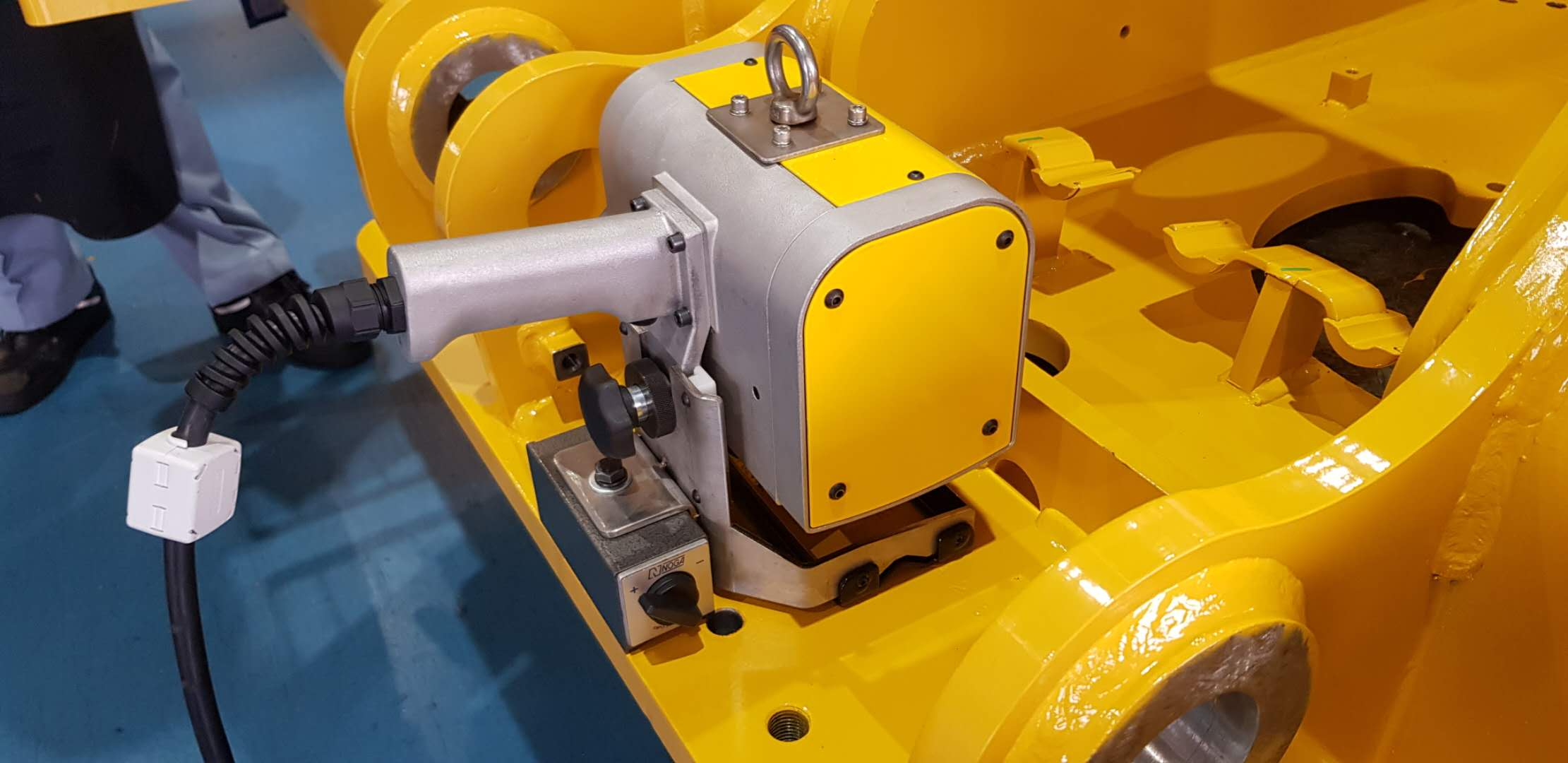 Solution Marking on construction machinery Technomark