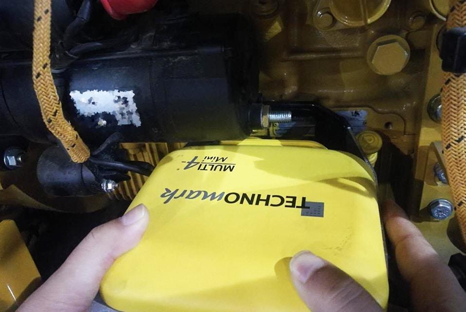 Solution Marquage sur des moteurs d'engins de chantier Technomark